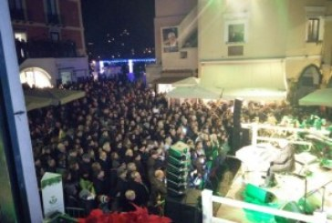 VIDEO – Concerto di Peppino di Capri in Piazzetta, 30/12/2015